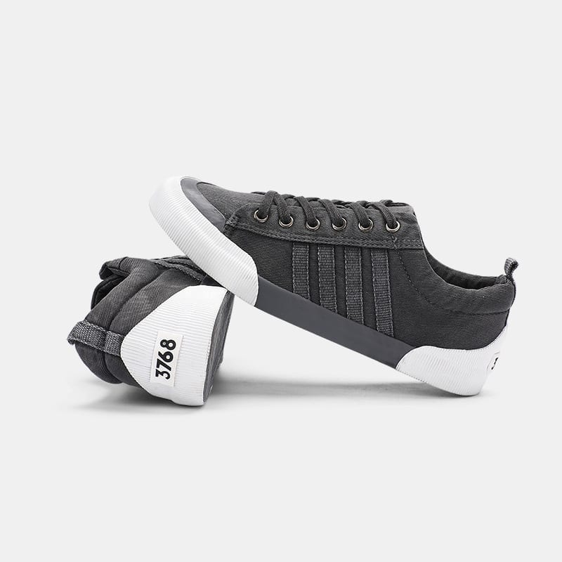 Sneakers style skate shoes for men