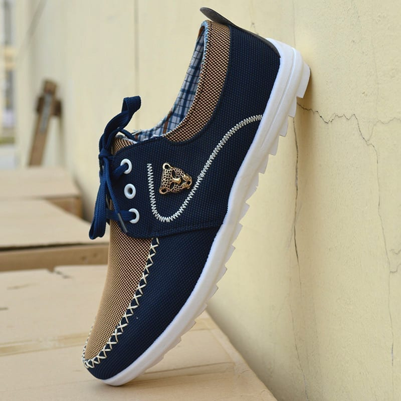 Casual Korean canvas shoes for men