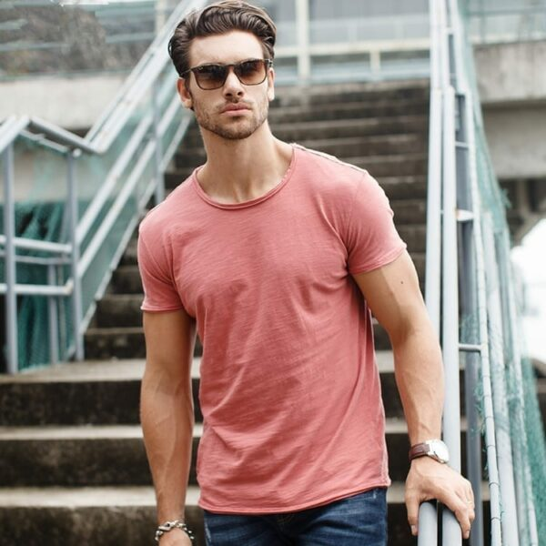 Pastel solid-coloured round-neck T-shirt for men