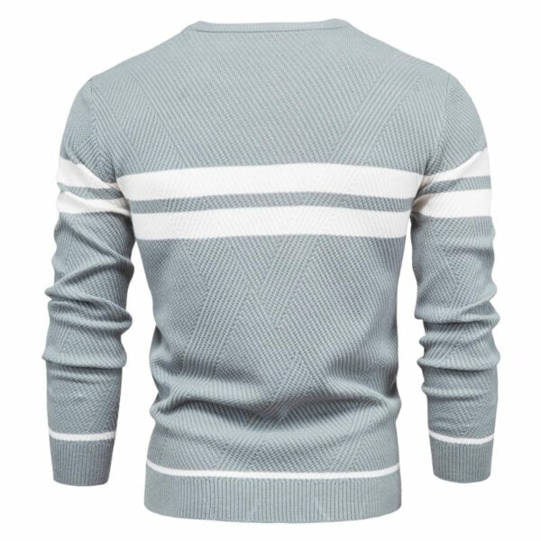 Long-sleeved knitted sweater and round collar for men