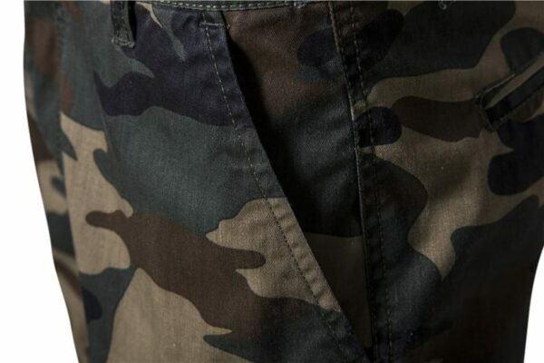 Casual style camouflage shorts for men