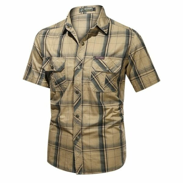 Classic men's short-sleeved flannel shirt